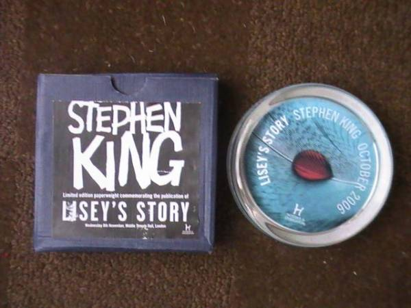 PROMO - LISEY's STORY PAPERWEIGHT 1/500