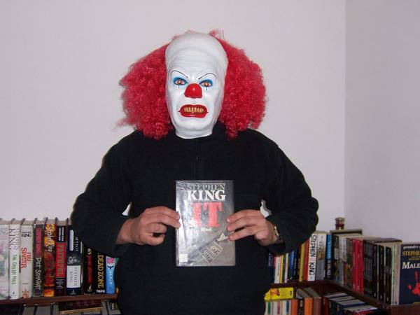 This is me with my HC spanish edition of IT (a book very hard to find)